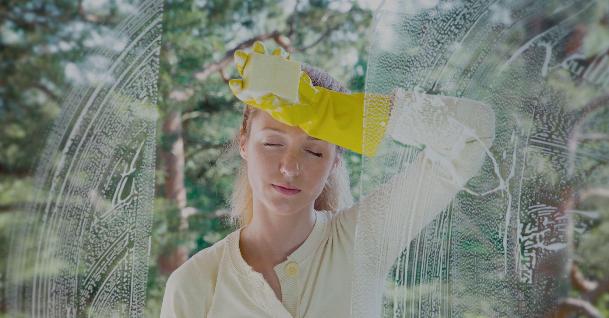 Cinque segreti per lavare i vetri a regola d'arte