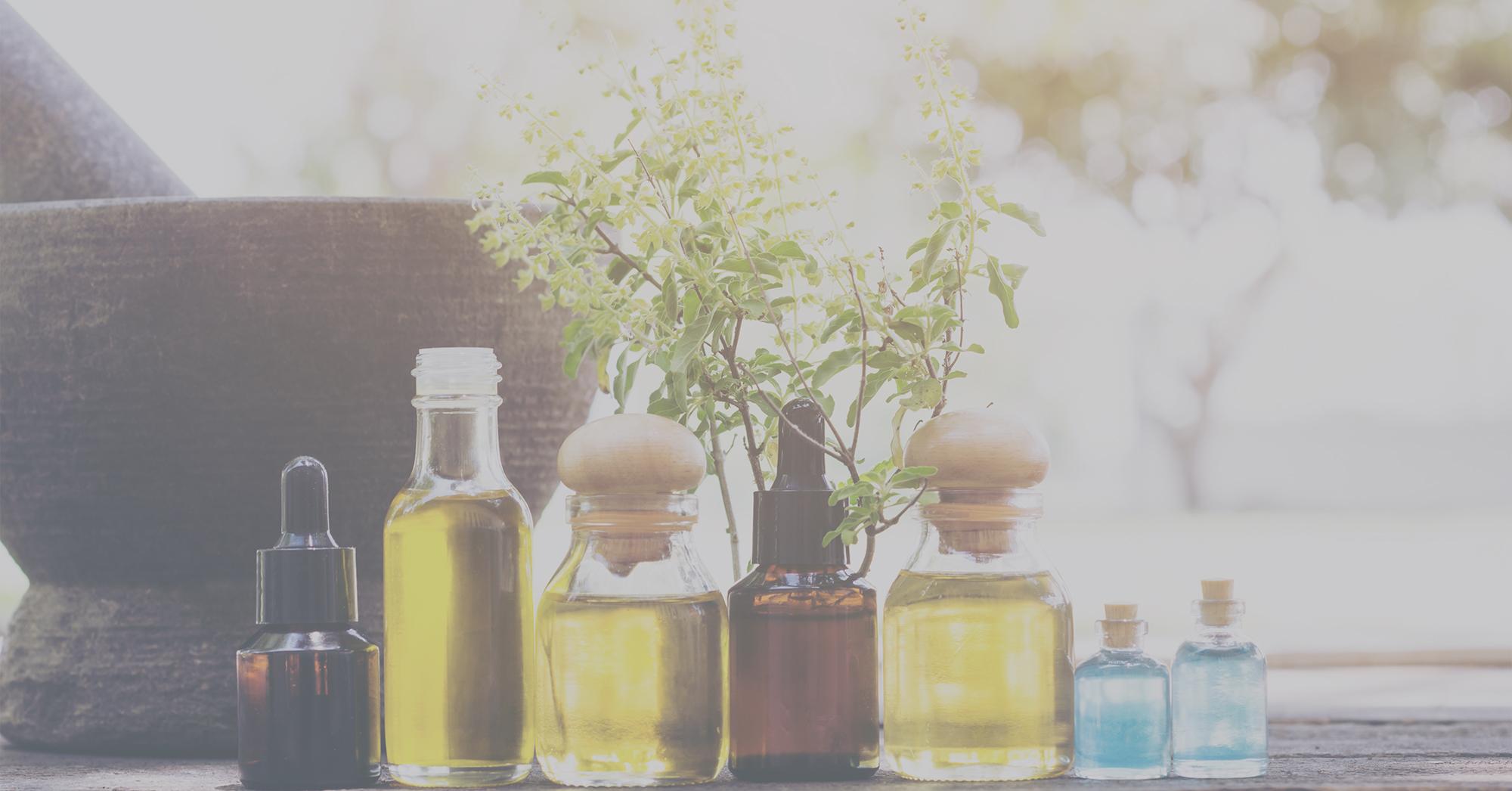 Combattere virus e batteri con gli oli essenziali